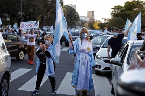 Argentinos protestam contra governo, insegurança, corrupção e quarentena