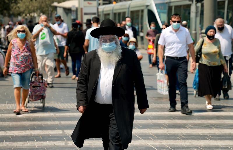 Escolas, restaurantes, shopping centers e hotéis terão que ficar fechados em Israel até que a taxa de mortalidade dê sinais de arrefecimento