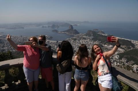 Turismo perde quase 50 mil empresas em 6 meses de pandemia, aponta CNC