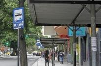 Prefeitura analisa propostas para concessão de abrigos de ônibus em Porto Alegre