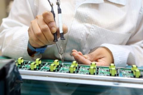 Indústria cresce 2,6% em setembro e elimina perdas na pandemia