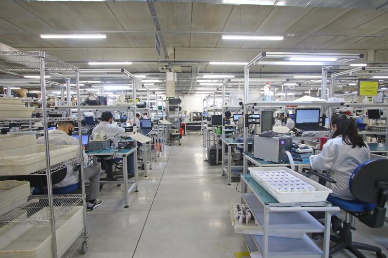 Mercado reduziu previsão de queda da produção industrial de 2020, o que influencia o PIB