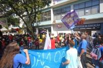 Reitoria da Ufrgs: alunos e professores protestam contra nomeação de Bulhões