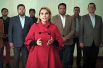 Presidente interina da Bolívia, Jeanine Áñez desiste de disputar eleição