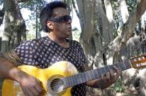 Gelson Oliveira grava inéditas e abre horizontes a músicos da nova geração