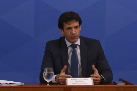 Bolsonaro demite Marcelo Álvaro Antônio, ministro do Turismo
