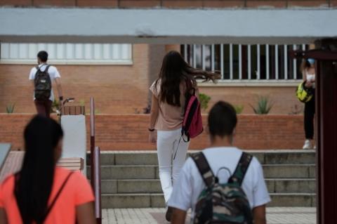 Volta às aulas 'é mais do que opção, é necessidade', diz Leite ao defender calendário