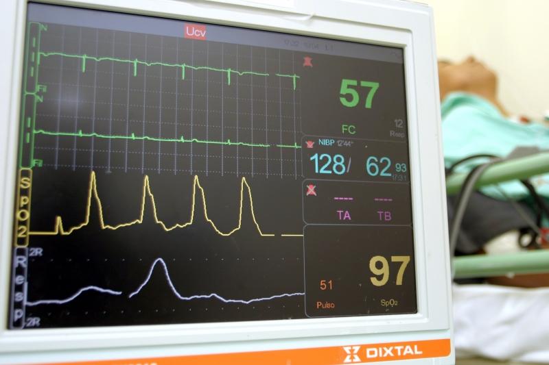 Paciente com problema cardíaco vai resistir menos que um saudável, explica Zavascki