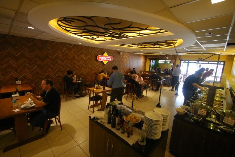 Um dos segmentos que influenciam a queda é o de restaurantes, que tem retomada lenta