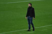 Coudet prevê dificuldades no Inter: 'Quando se junta três torneios, será duro'