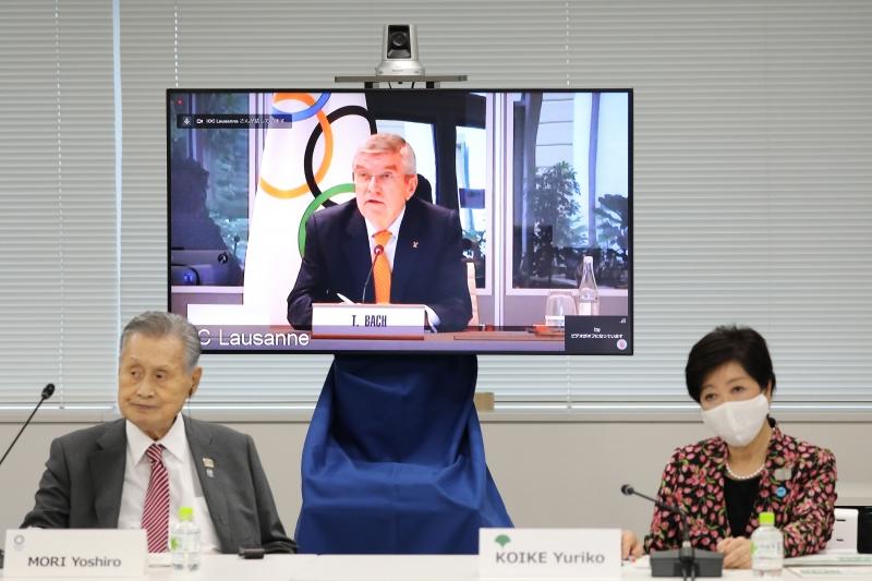 Presidente do COI se reuniu de forma remota com autoridades japonesas nesta quinta-feira