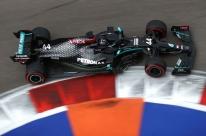 Na Rússia, Hamilton supera drama, sobra no final e crava 96ª pole na Fórmula 1
