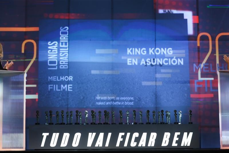 Filmado no deserto de sal da Bolívia, venceu 'King Kong en Asunción', de Camilo Cavalcante