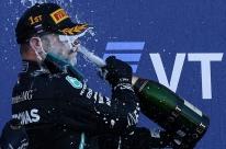 Bottas desabafa após vitória na Rússia e Hamilton reclama de punições 'ridículas'
