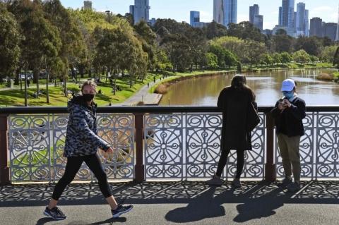 Melbourne reduz restrições após queda no número de infecções por Covid-19