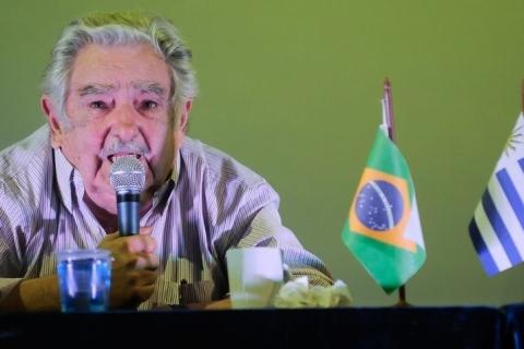 Ex-presidente do Uruguai, Mujica anuncia fim da carreira política