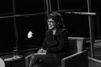 Com Maria Ribeiro, programa de Marcelo Tas volta ao estúdio na TV Cultura