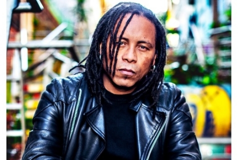 Serguinho Moah apresenta novo single nas plataformas digitais nesta semana