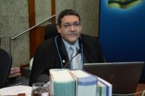 Bolsonaro anuncia Kássio Nunes para vaga de Celso de Mello no STF
