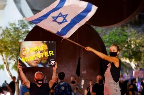 Para conter coronavírus, Israel aprova lei que limita protestos de rua, cujo principal alvo é Netanyahu