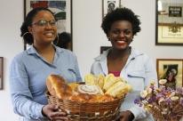 Dupla cria pães inspirados em personalidades negras em Porto Alegre