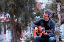 Pucrs realiza série de lives sobre 40 anos de carreira de Vitor Ramil