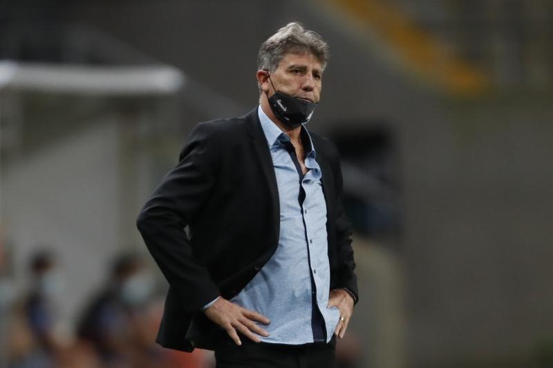 O treinador do Grêmio não viajou para o Equador junto com a delegação gremista