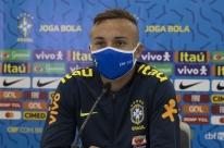 Everton Cebolinha diz ter evoluído com Jorge Jesus