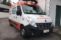 Ambulância do Samu é atingida por rojão em Porto Alegre
