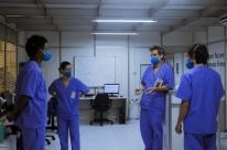 'Sob pressão' retorna com dois episódios especiais em hospital de campanha