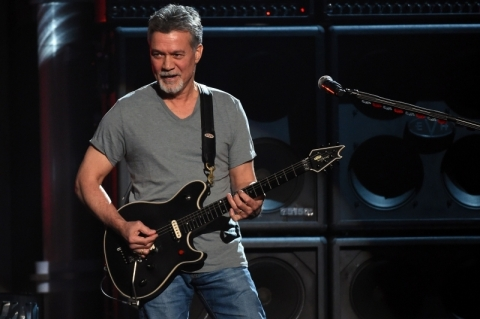 Músico Eddie Van Halen morre de câncer aos 65 anos