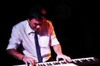 João Maldonado comemora aniversário com recital de piano no Espaço 373
