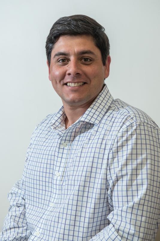 Carvalho diz que há dificuldade em abrir empresas de forma fácil