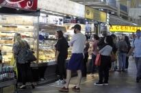 Sem fluxo de clientes, caem as vendas no Mercado Público de Porto Alegre
