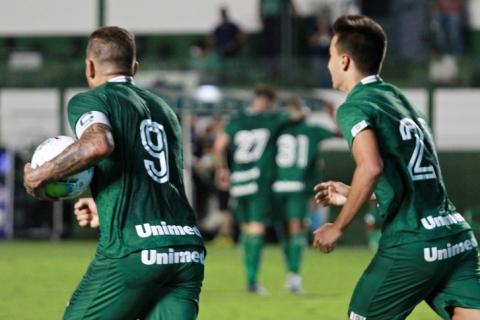 Goiás aposta na experiência para sair da lanterna e surpreender Atlético-MG
