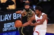 Com brilho de Butler, Heat vence Lakers e força sexto jogo da final da NBA