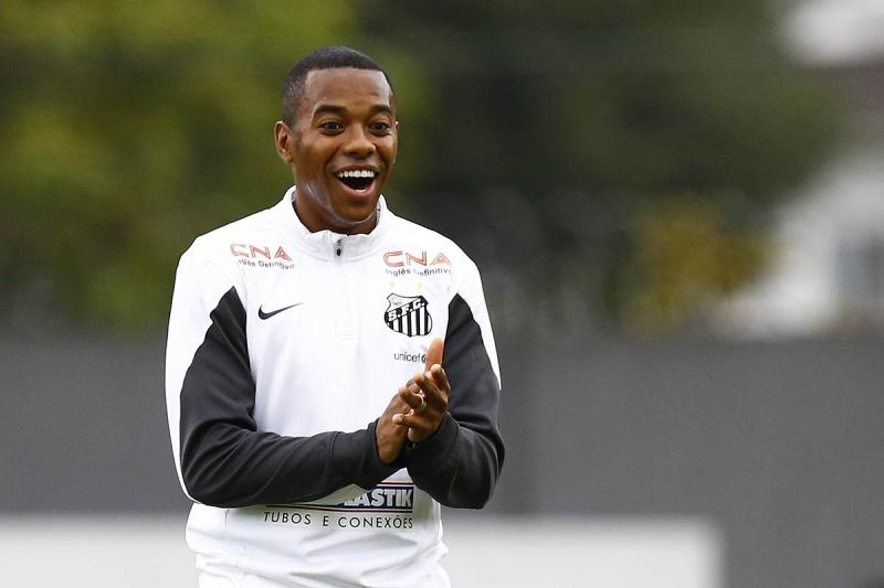 Robinho retorna para sua quarta passagem pela Vila Belmiro