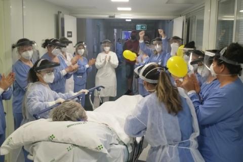 Paciente com Covid-19 deixa a UTI após 101 dias em Bento