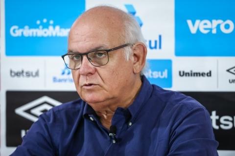 A rotina, os desafios e as cobranças de um presidente de clube de futebol no Brasil