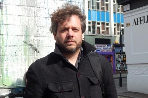 Fabrício Silveira publica novela com jogo entre ficção e realidade