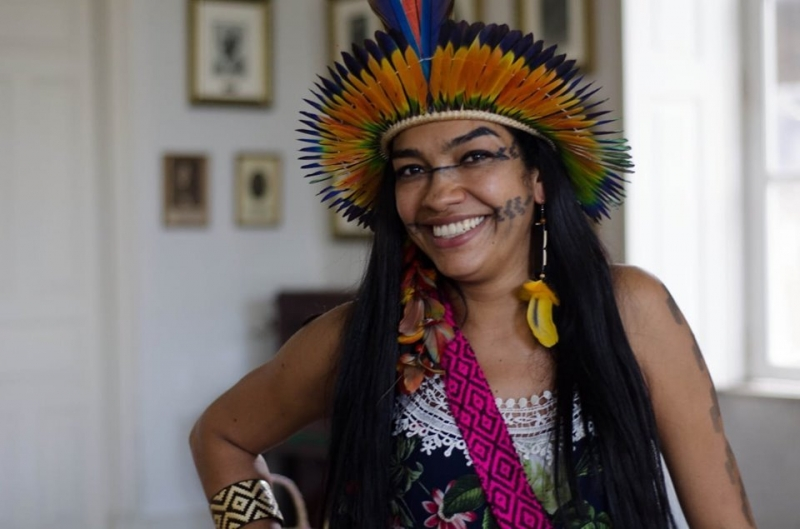 Escritora indígena também trabalha em projetos educacionais