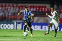 Grêmio domina no Morumbi, mas fica no 0 a 0 com o São Paulo