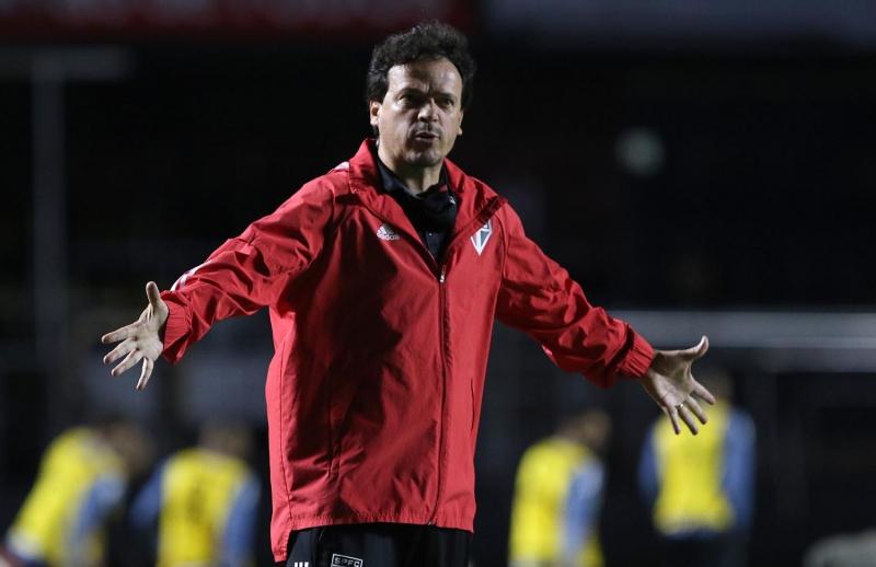 Fernando Diniz deve promover mudanças na equipe diante do peruanos
