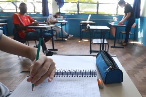 Apenas 80 das 693 escolas estaduais que podem receber alunos estão abertas