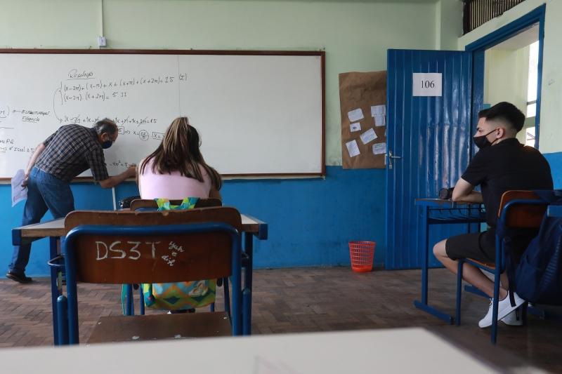 Em Porto Alegre, 67 escolas particulares já passaram a receber alunos; nas municipais há 54 abertas