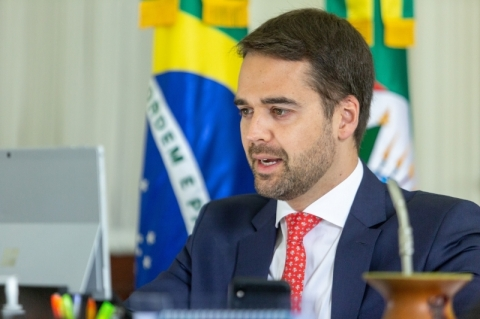Governadores reagem à anúncio de Bolsonaro sobre vacina chinesa
