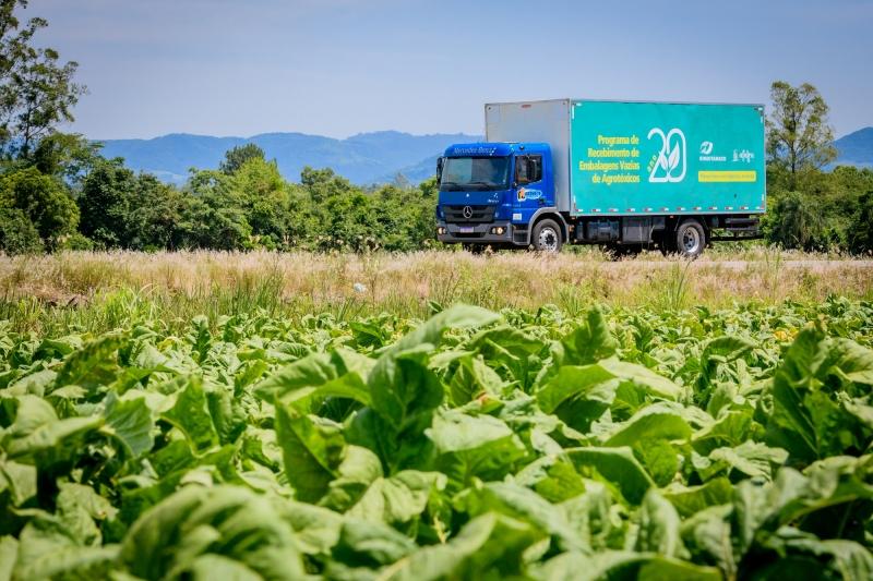 Em 20 anos, 17 milhões de embalagens de agrotóxicos foram destinadas corretamente devido a programa de recolhimento