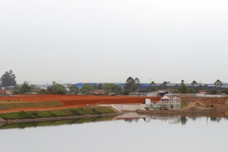 Fotos de obras na pista do Aeroporto Salgado Filho - Porto Alegre