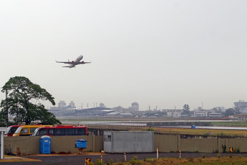 Ampliação permitirá operação de aviões maiores, mas há dúvida sobre a conclusão no prazo