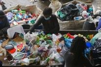 Reciclagem de lixo ainda é desafio para Porto Alegre
